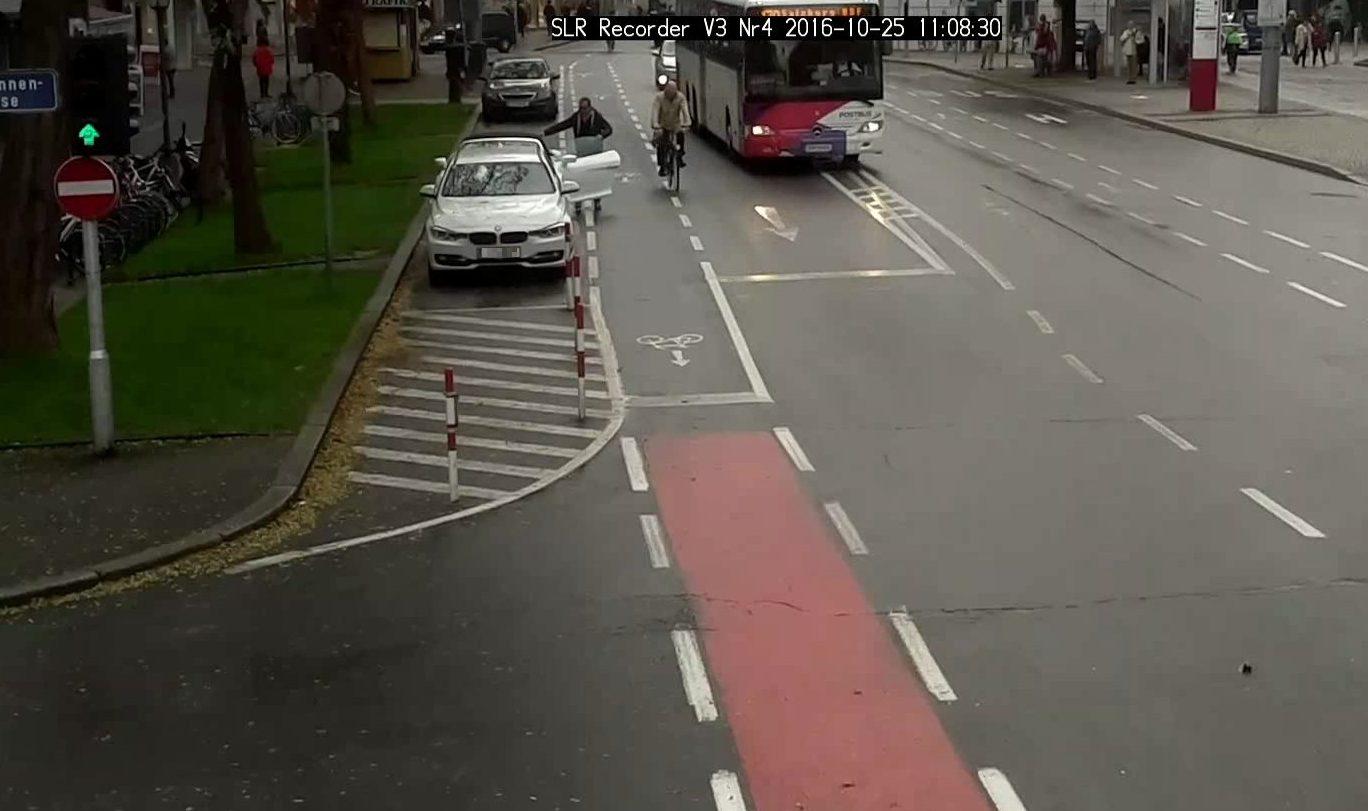 Studie zur Dooring-Gefahr neben parkenden Fahrzeugen